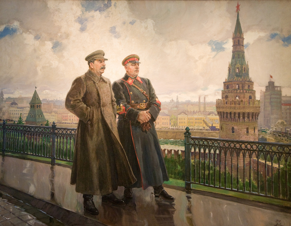 استالین_و_ووراشیلوف_در_کرملین_الکساندر  چرا نقاشی واقعگرای سوسیالیستی شایسته نگاهی دوباره است؟